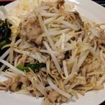 67214774 - 日替り定食(牛バラ肉と野菜のスタミナ炒め)