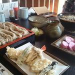 大清水 - 「天ぷらそば」「にしんそば」