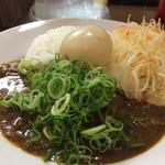 元町通り3丁目 - 神戸キーマカレー650円に、今日のみの特典、50円の煮たまごをトッピングしました(2017.5.19)