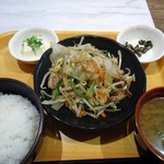 オリジン - 「肉野菜炒め定食」600円也。税込。