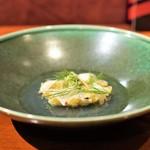 NARITA YUTAKA - 蕗の薹のフリット、 アワビのスライス、 ディル、 ハマグリのスープ