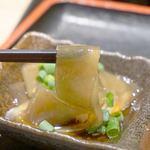 博多もつ鍋おおやま KITTE博多店 - もつ鍋が出来上がるまでの間、博多の郷土料理でもある『おきゅうと』も頂きました。