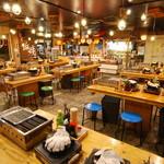 湘南浜焼きセンター 海女小屋 - 内観写真: