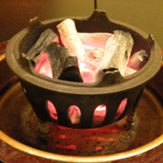 炭火の香りと風情をどうぞ