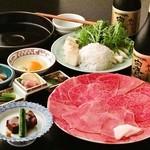 日本橋 伊勢重 - 料理写真:夜のすき焼きコースの一例です。