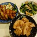 鈴傳 - (2017/3月)筍の土佐煮、小松菜と油揚げの胡麻和え、ロースかつと玉ねぎ