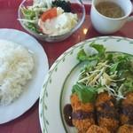 ピアワン - 料理写真:広島産カキフライ(ライス付き)♪