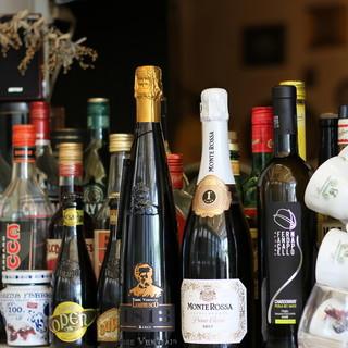 コスパに優れたワインやビールなど、料理に合わせた至極の1杯