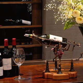 400種・1000本のワインを常備!グラスワインも充実◎