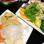 鳳家 - 野菜や豆腐