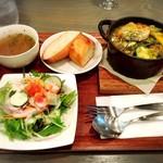 Buffo - 塩漬け豚バラと季節野菜のバジルソース煮