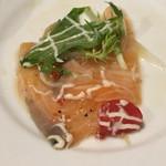 個室和食×肉バル KURA  蔵 - サーモンのカルパッチョ