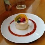 67244596 - [料理] フルーツタルト 全景♪w