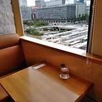 京橋千疋屋 フルーツパーラー - [内観] 店内 テーブル席 ①