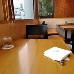 京橋千疋屋 フルーツパーラー - [内観] 店内 テーブル席 ②