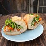 焼き豚のバインミー(Banh Mi Thit Nuong)