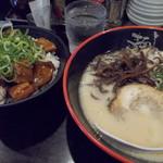 麺達 - とんこつ+テリヤキ丼(1,080円)
