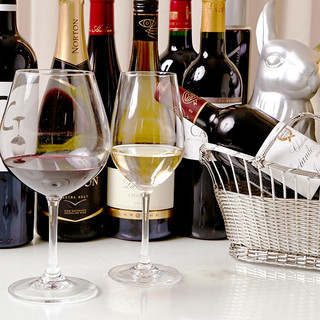 ソムリエがその日に選んだボトルワイン飲み放題♪