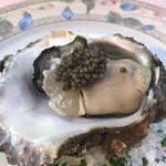 ラブレー - 宮城産生牡蠣キャビア乗せ。