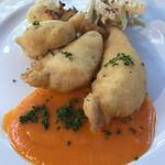 ラブレー - 鶏胸肉のベーニエ パプリカソース。