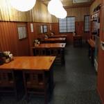 67247924 - 店内奥のテーブル席