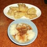 居酒屋ダイニング涼 - 鳥天と玉ねぎの天ぷらはおろしポン酢で