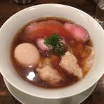 鳴龍 - 「醤油特製拉麺」1100円