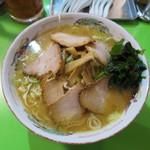 中華そば 万楽 - 料理写真:チャーシュー麺(W)