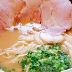麺屋 菜々兵衛 - 2017/4  鶏白湯  醤油  チャーシュー