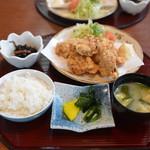 お食事処 利 - 唐揚げ定食