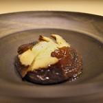 CHIUnE - 原木椎茸と太白胡麻油でからめたビーフン。ビーフンの力強さに感激。