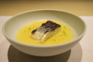 CHIUnE - かますを焼いて、桑名の蛤の出汁のロワイヤル。