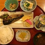 酒蔵松竹 - 鯖の塩焼き定食=780円 (土・日・祝価格)