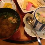 酒蔵松竹 - お味噌汁と茶碗蒸し