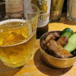 PhraArthit - お通し、ビール(シンハー)