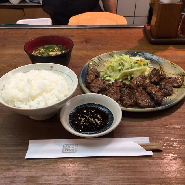 炭火焼 松阪 - カルビ定食