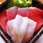 海鮮丼 雅盛 - マグロイカ丼