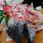 みなと市場 小松鮪専門店 - 限定「鮪頭定食」 しゃぶしゃぶ付きで�
