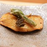 麻布十番 ふくだ - 本鱒の焼き物とこしあぶらの天ぷら