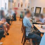 桜道Cafe - テーブル席