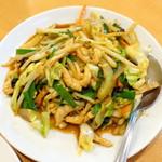 67265582 - お疲れ様セット(980円)細切り豚肉と五目野菜炒め