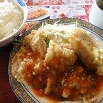 6727699 - 日替わりランチ(スープバー付) ¥628 <1>チキンチリソース&牛肉コロッケ