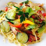 ハウスリーク - ベーコンと季節野菜のアーリオオーリオスパゲティー