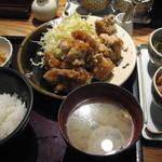 博多もつ鍋 やまや - 鶏の唐揚げ定食