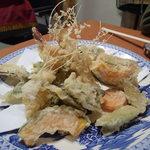 季節料理 こぶし - 天ぷら盛り合わせ