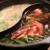しゃぶ葉 - 料理写真:しろ出汁とすき焼き出汁