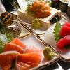 高槻豊丸 - 料理写真:漁港近くの食堂をイメージした広々店内で、海鮮づくし!刺身等の一品料理は380円~
