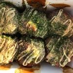 大阪やき三太 - 料理写真:大玉たこ焼き6個。 税込380円。 旨し。