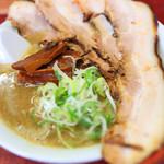 にぼshin. - 料理写真:チャーシューにぼちゅう@950円