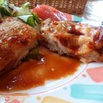 モンテローザ - あっさりで洋食らしい味付けの照り焼きソース